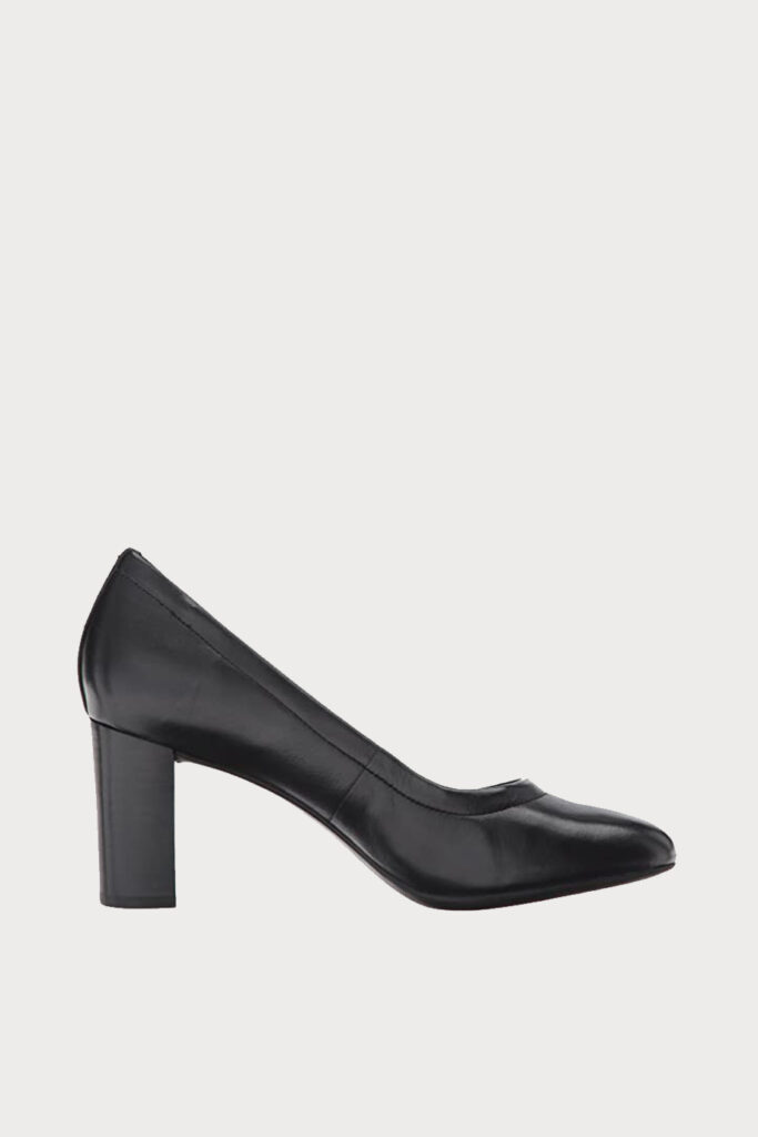 spiridoula metheniti shoes xalkida p Chryssa Ari clarks 1