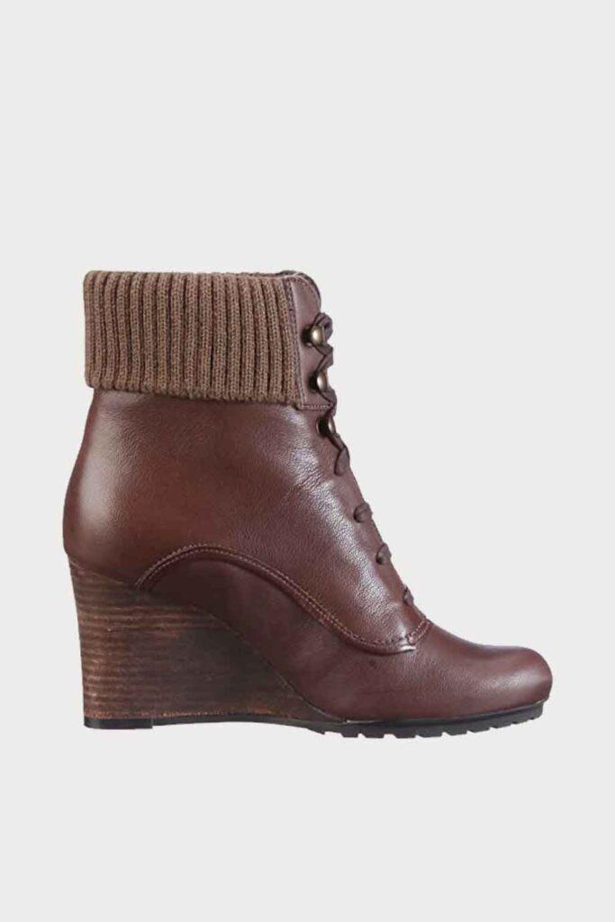 spiridoula metheniti shoes xalkida p Lori Coniston Tan Clarks5